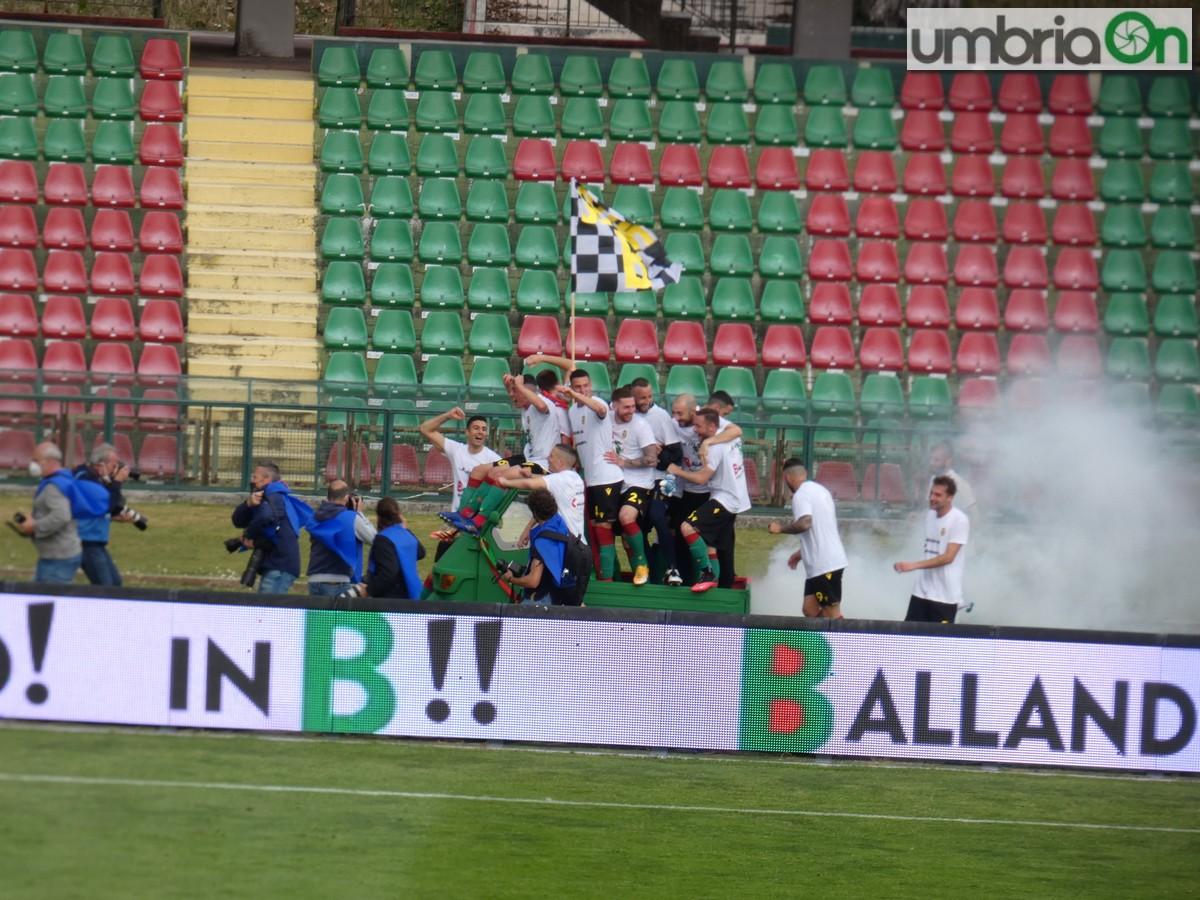 Ternana-festa-promozione-rossoverde-Fere-Avellino-Lucarellif-apetto