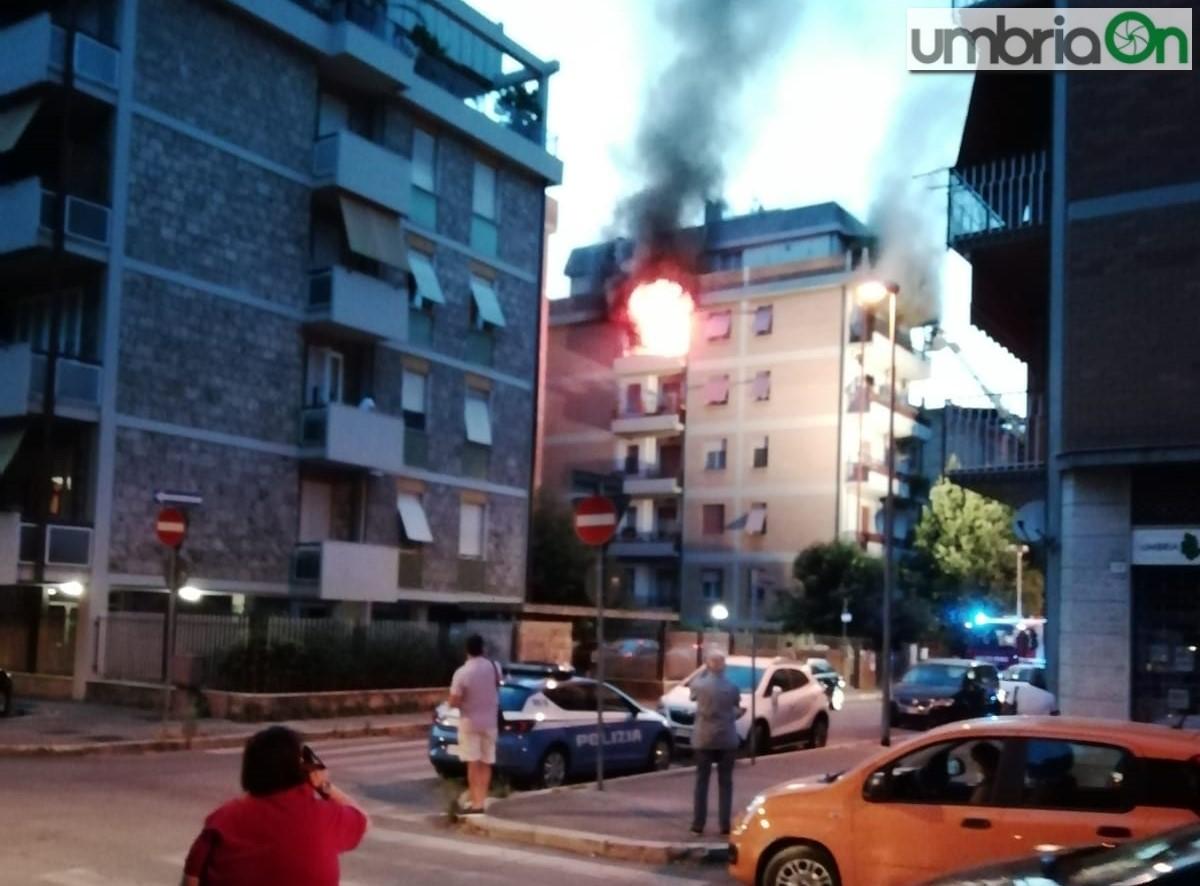 Filangieri-Cardeto-incendio3445454