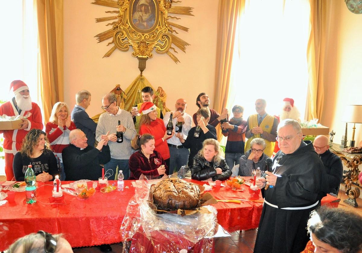 Pranzo-di-Natale-episocopio-diocesi-Terni-vescovo-25-dicembre-2018-11