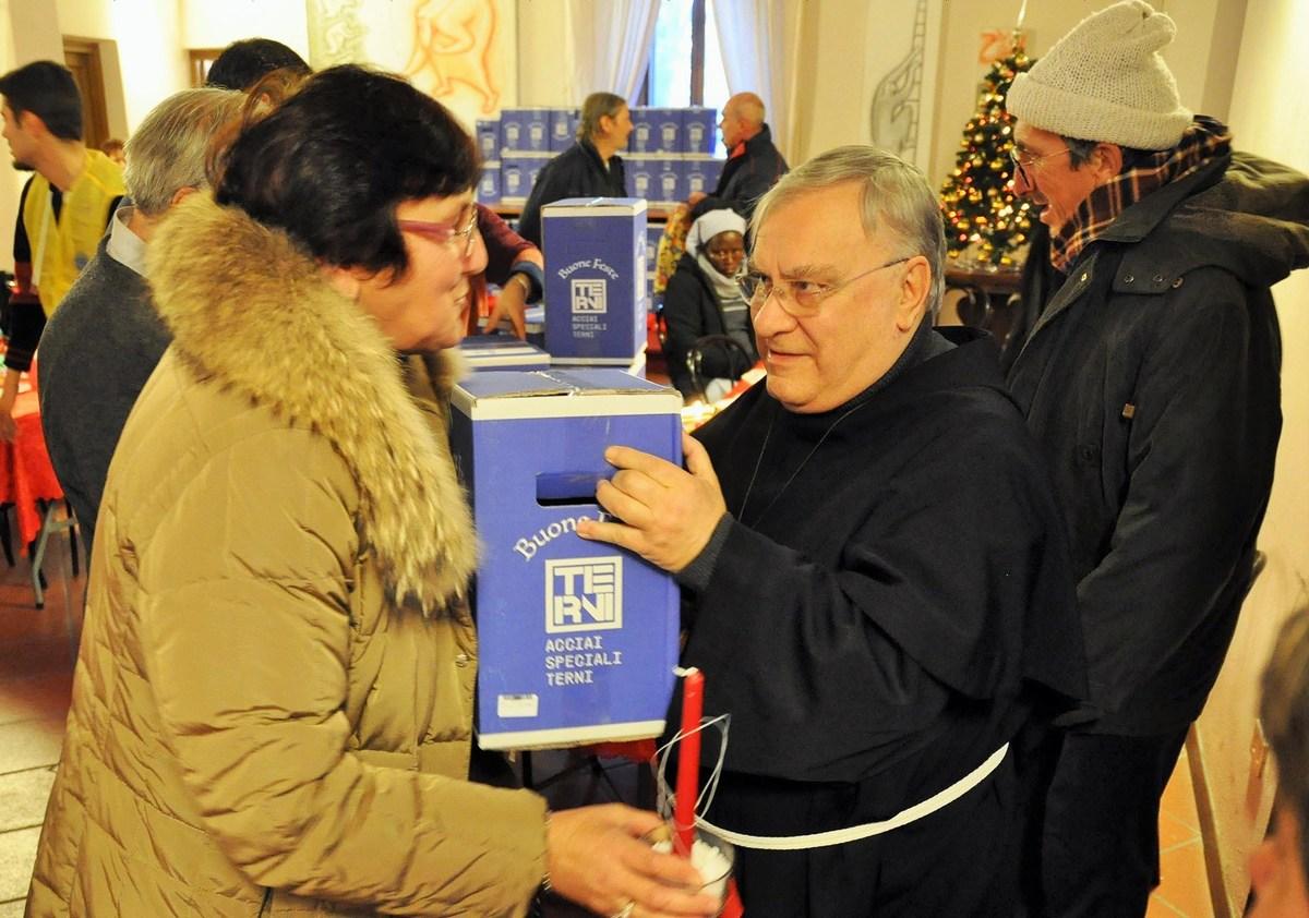 Pranzo-di-Natale-episocopio-diocesi-Terni-vescovo-25-dicembre-2018-2