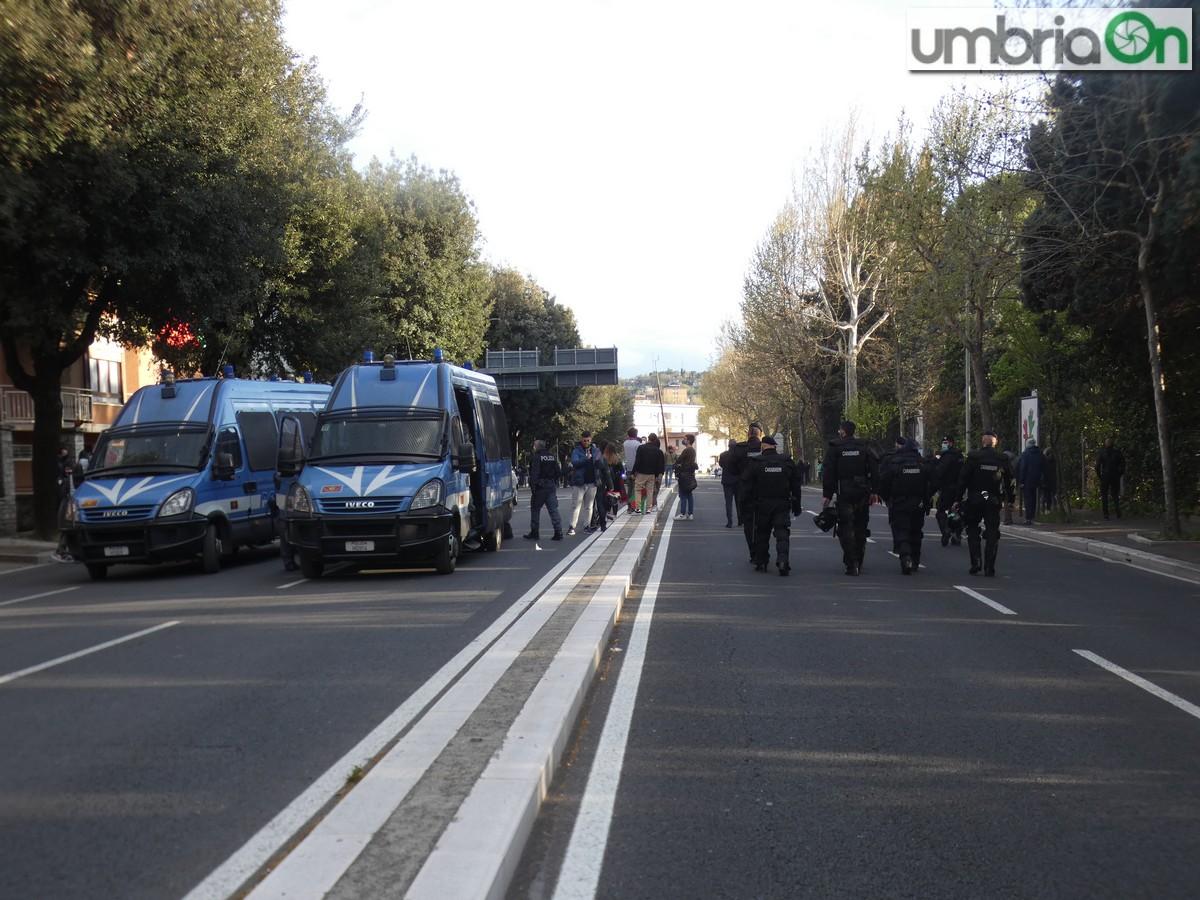 Ternana-promozione-serie-C-serie-B-festa-viale-stadio-tifosi454-carabinieri-poliziax