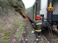 incidente-ferroviario-vigili-del-fuoco-Giuncano-Terni-treno-frana-svio-deragliamento