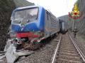 incidente-ferroviario-vigili-del-fuoco-Giuncano-Terni-treno-frana-svio-deragliamentosds