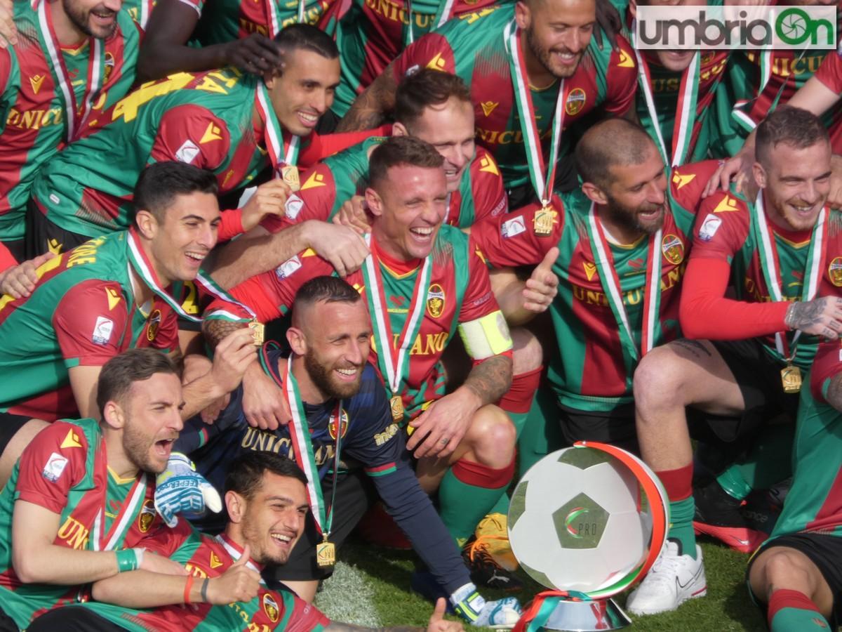 Ternana-promozione-cerimonia-festa-serie-B-trofeo45454dEFENDI