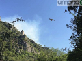 Terni-Rocca-san-Zenone-incendio-canadair