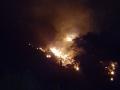 terni incendio rocca san zenone notte (2)