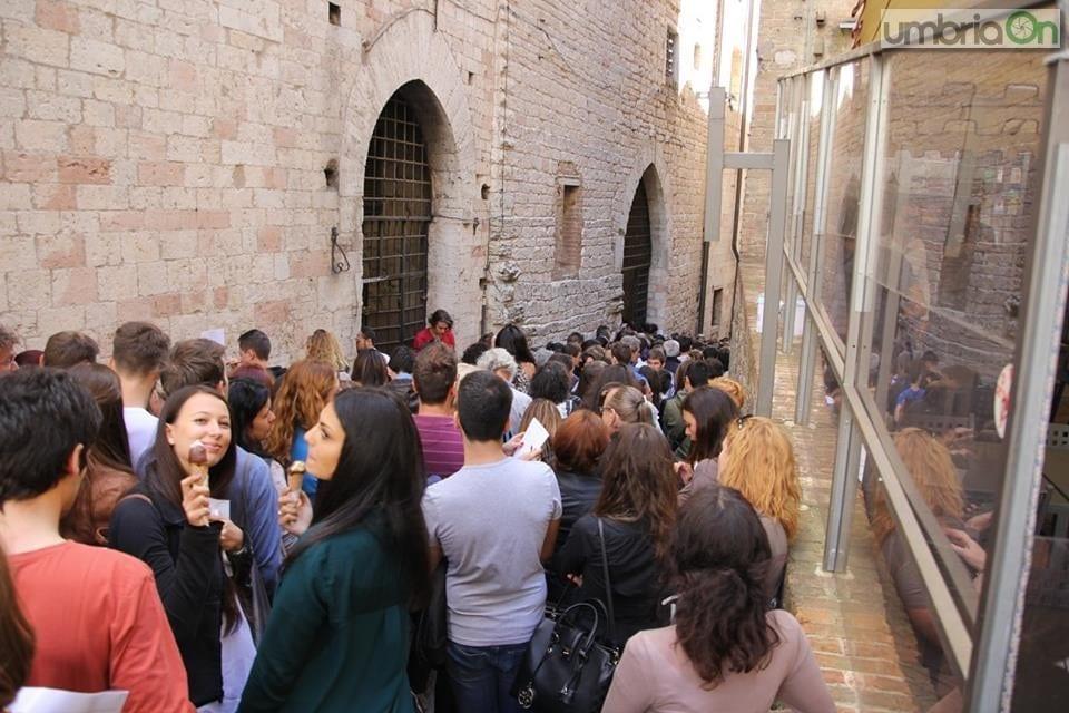 Fiction  Luisa Spagnoli   in fila per il casting f024746b355