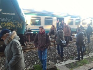 Scene di ordinario disagio per i pendolari