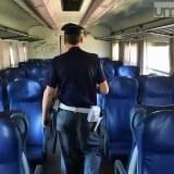 Terni, si masturba sul treno: denunciato