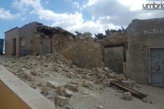 Terremoto, macerie e paura a Castelluccio