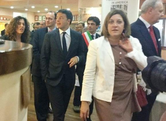 Referendum, il no vince e Renzi 'passa'
