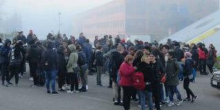 Terni, scuola agitata: studenti in piazza