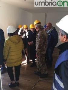 Il Presidente Mattarella in una 'casetta'