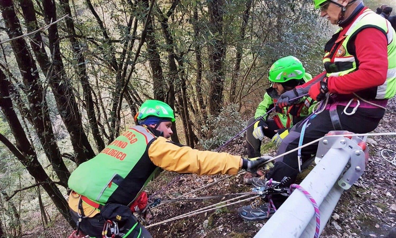Baschi, tragico incidente Muore taglialegna di 46 anni