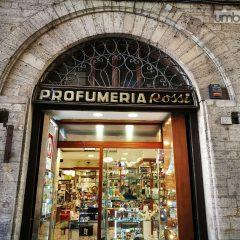 Perugia muore: chiude la profumeria Rossi