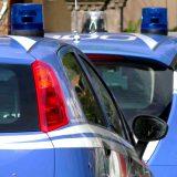 Rubano su auto in sosta, doppio arresto