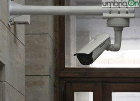 Terni, telecamera rotta: auto pirata la fa franca