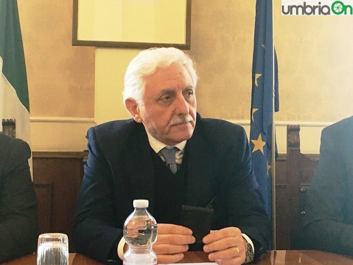 Comune Di Bianco Ufficio Tributi : Comune borgosesia assume personale per gli uffici notizia oggi