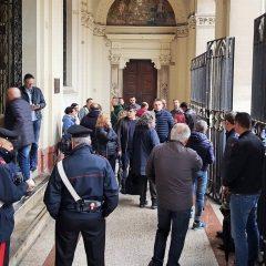Crisi Tagina, presidio e incontro in tribunale