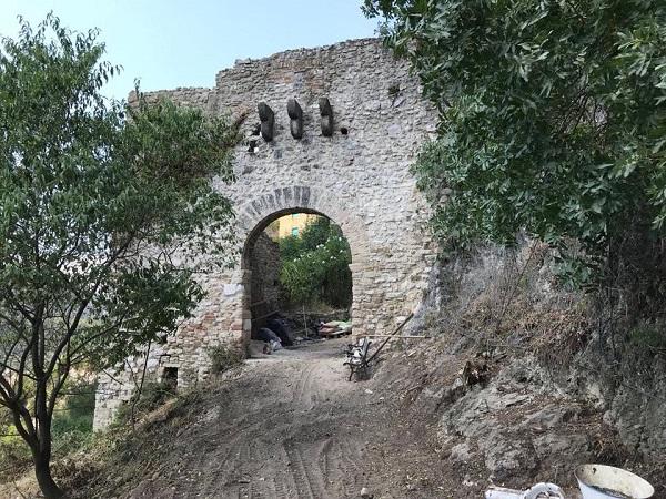 Risultati immagini per porta pietra narni
