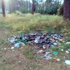 Terni, parco Rosselli fra droga, feci e rifiuti