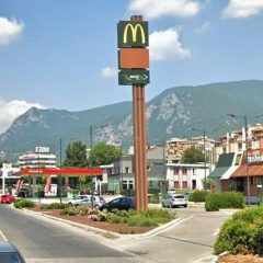 Terni, M5s: «Rotonda di fronte al McDrive»