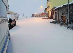 L'Umbria si risveglia sotto la prima neve