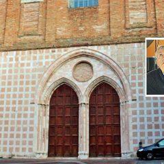 Perugia, distruggono l'auto del parroco
