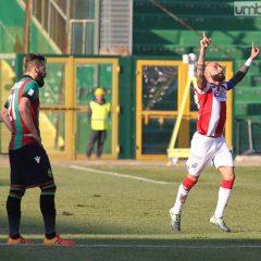 Ternana-Vicenza 0-2: crisi e nervosismo