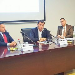 Il ministro Centinaio incontra le imprese
