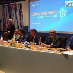 Toninelli a Perugia: «Salviamo le imprese»