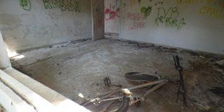 Terni, ex scuola zona Fiori: perenne degrado
