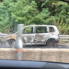 Perugia, auto in fiamme lungo la E45