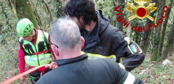 Malore nel bosco fra Acquasparta e Spoleto: scattano i soccorsi