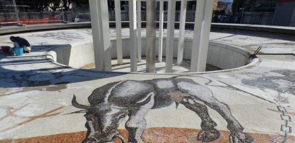 Fontana piazza Tacito, via a visite guidate
