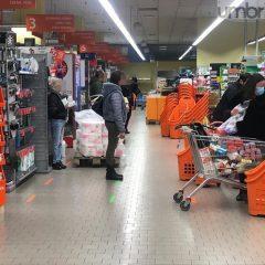Gualdo Tadino, supermercati chiusi a Pasqua e Pasquetta