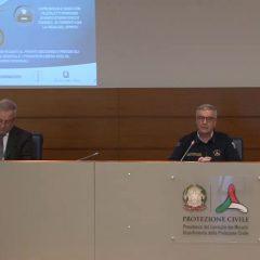Covid Italia: «'Fase due'? Distinguere i lavori più che le regioni»