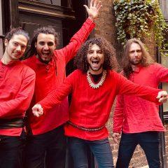 Da Perugia a Londra, suonano: «Stay Home»