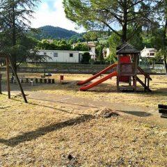 Giardini San Carlo: «Li abbiamo puliti ma i giochi nuovi?»