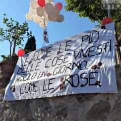 «Addio Carlotta»: in tanti ai funerali – Foto