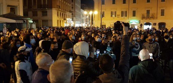 Covid, protesta a Terni per misure Dpcm-Foto