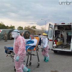 Video – Perugia, primo paziente nell'ospedale da campo dell'esercito