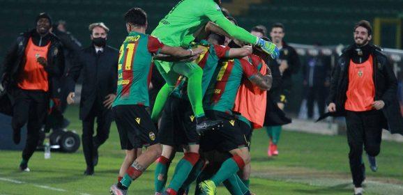 Ternana invincibile nel girone d'andata: Juve Stabia travolta 0-3