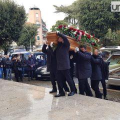 Terni dice addio a Massimo Proietti