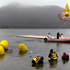 Terni, lago Piediluco: affonda catamarano, recuperato dal 115