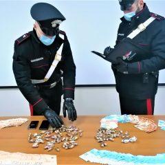 Spoleto, trovato con hashish e 12 mila euro: scatta l'arresto