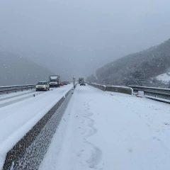 E45, mattinata difficile per la neve
