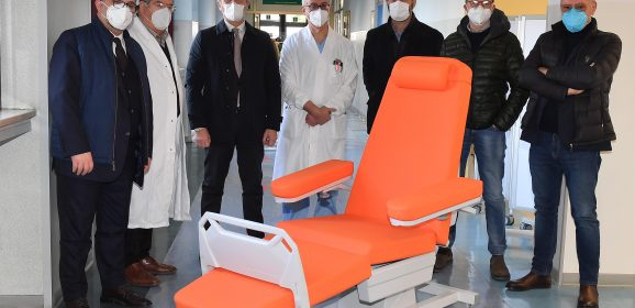 Terni, dipendenti Ast: sette lettini per il reparto di oncologia