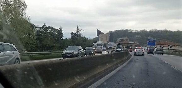 E45, incidente tra camion e furgone: disagi per il traffico