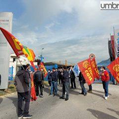 Terni, è protesta contro gli esuberi alla Savit: «Un'ingiustizia»